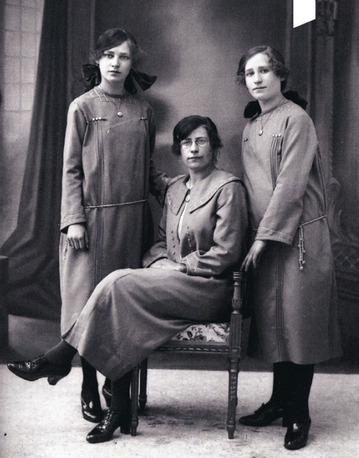 05 - Trois grandes soeurs, suite