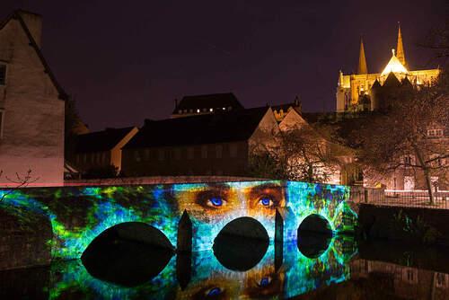 Je suis en préparation sur plusieurs projets....en attendant si vous passez par Chartres vouspouvez encore vous promener pour découvrir les mises en lumières réalisées pour les ponts de la basse ville