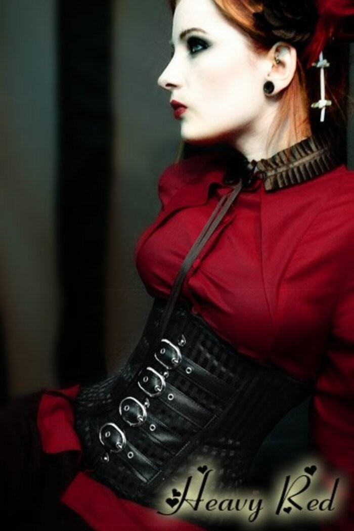 Heavy Red - Couture Noir
