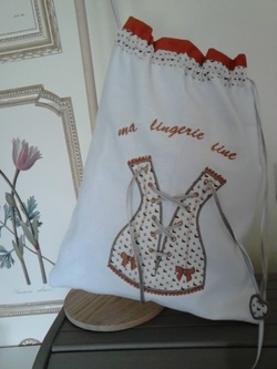 SACS lingerie: CORSET à LACET