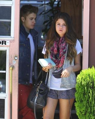 30/06 Selena et des amis