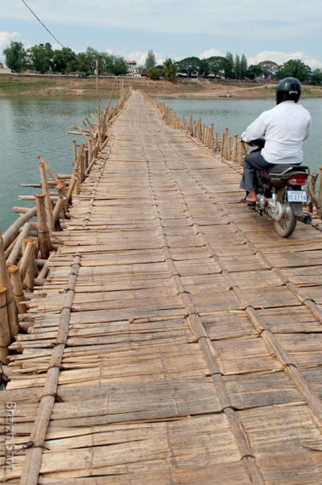 pont en bambou de Koh Paen à Kampong Cham