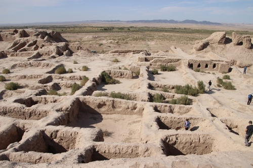 Les citadelles du désert Kyzyl Koum : Toprak Kala