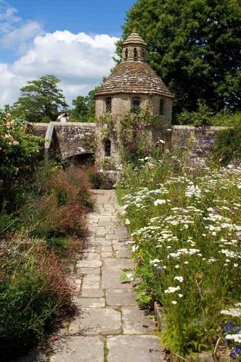 Le jardin enchanté de Nymans ...