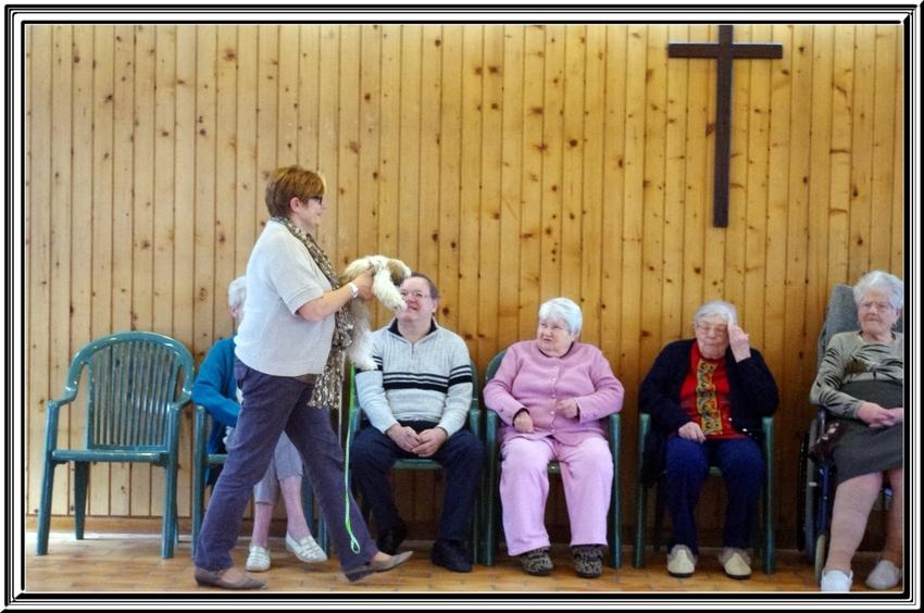 Visite de Titi Falcon et de Poupinette à la maison de retraite de Dercie (17)