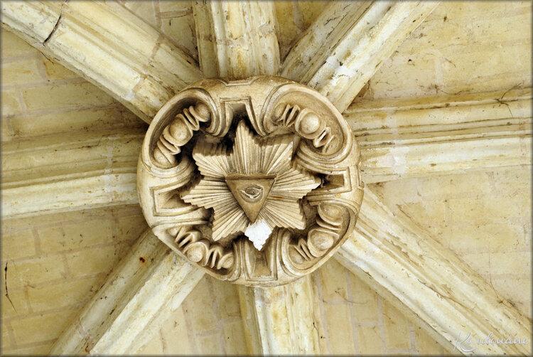 Photos détails du Cloître de l'Abbaye de Fontevraud