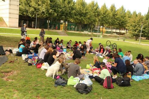 Atelier yoga à un pique-nique crudivore, dimanche 8 septembre 2013 à Paris