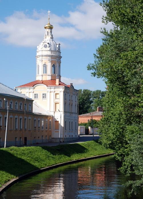 St Petersbourg: Le monastère de la Sainte Trinité Alexandre Nevski.