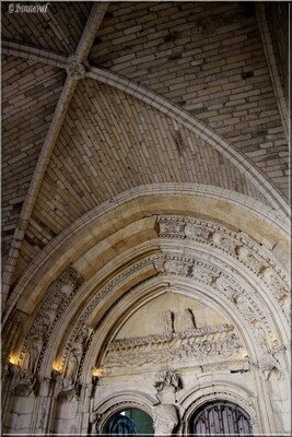 Palais des Papes voûte du parvis de la Grande Chapelle Avignon Vaucluse