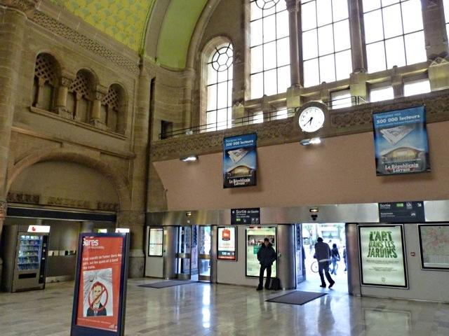 Gare de Metz Hall Départ - 29 05 10 - 11