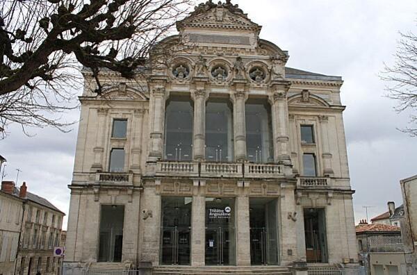 Angoulême 36 Théatre