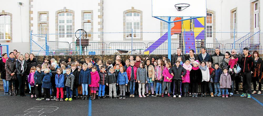 C'est avec beaucoup de joie que les enfants de l'école Saint-Jean ont découvert le château fort et le circuit de billes.