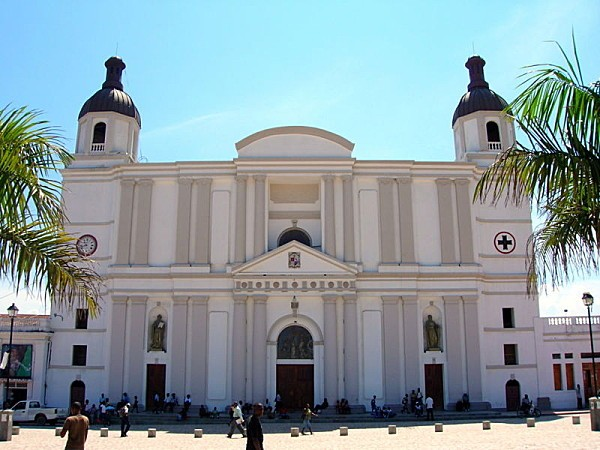 800px-Cathedral of Cap-Haitien