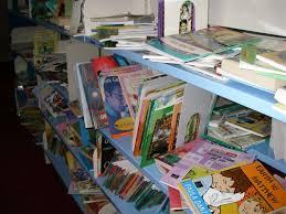 Le rangement de la bibliothèque.