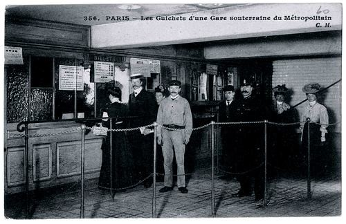 VISUEL-TICKET-2-Guichet-dune-station-vers-1910