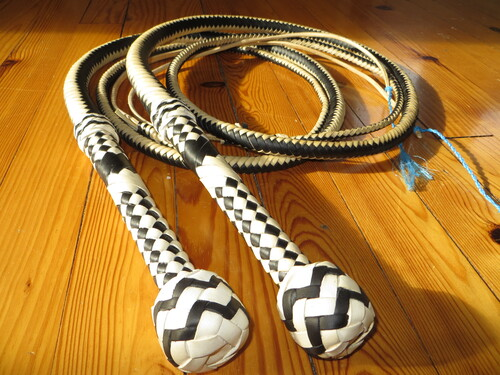 7ft black and white bullwhip pair