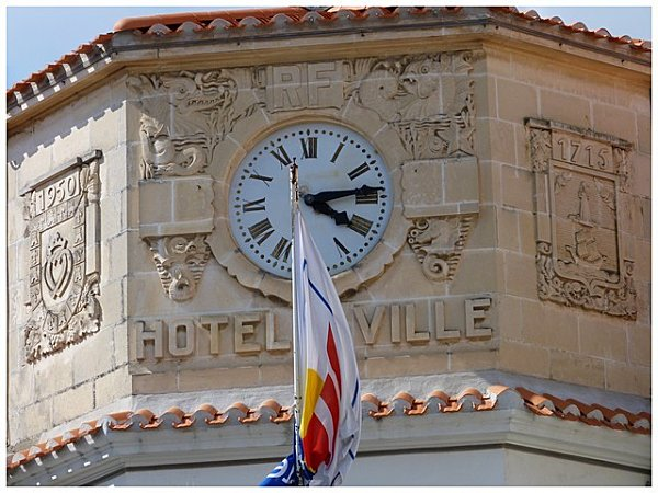 horlogea-l-hotel-de-vill-copie-2.jpg