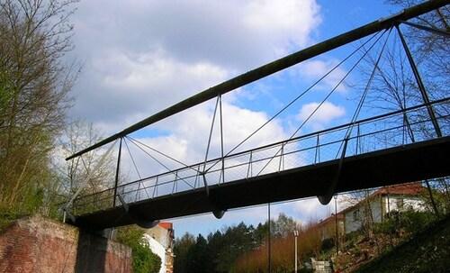 Wolu1200 : Fragile, la passerelle de la chaussée de Stockel va être remplacée