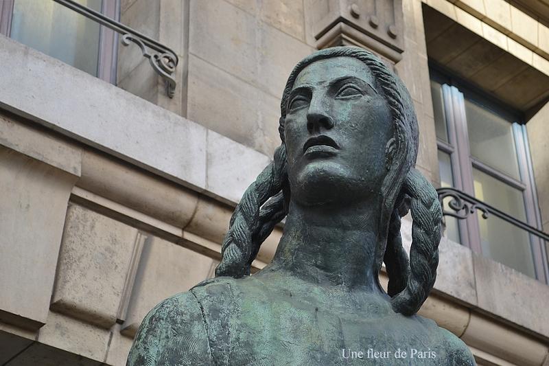 Parvis du Musée d'Orsay : La Victoire de Antoine Bourdelle