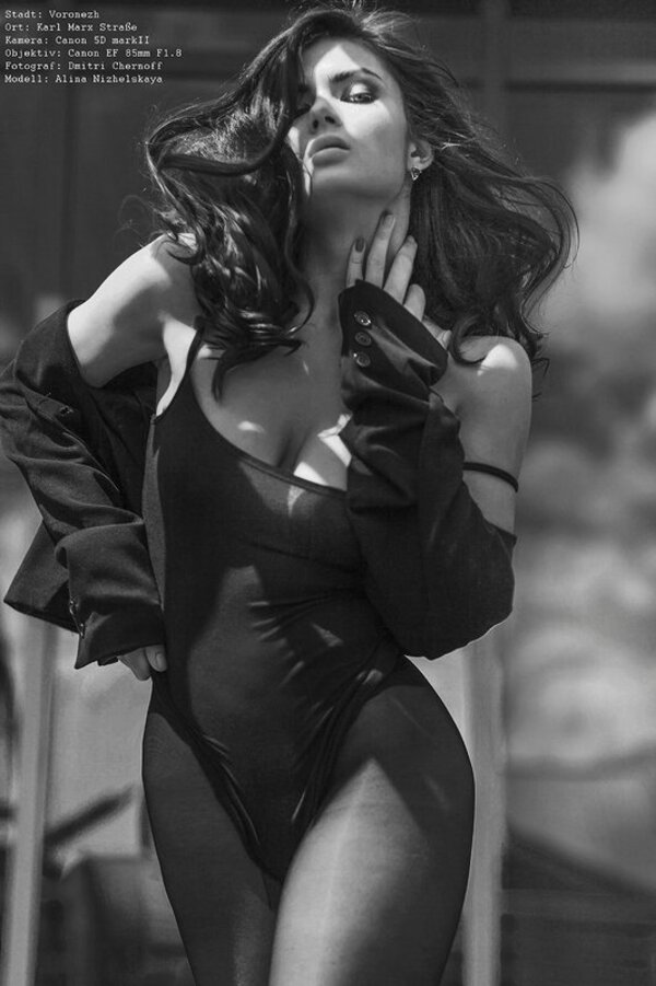 Glamour et Sensuelle by Dmitry Chernoff