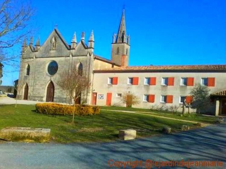 Monastère du Broussey (carmes) - 33410 RIONS
