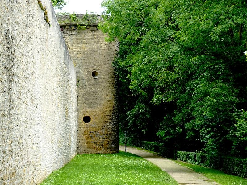 Metz / La promenade des remparts...