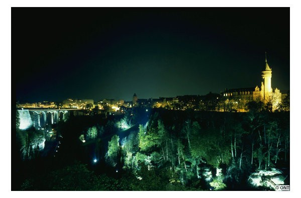 Luxembourg-by-night 02
