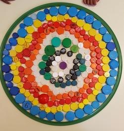 Graphisme MS: les ronds concentriques avec des bouchons