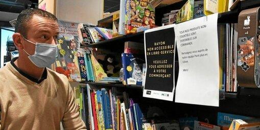 Au Point Plus, rue de la Paix, les livres et certains articles en rayon… doivent être commandés.