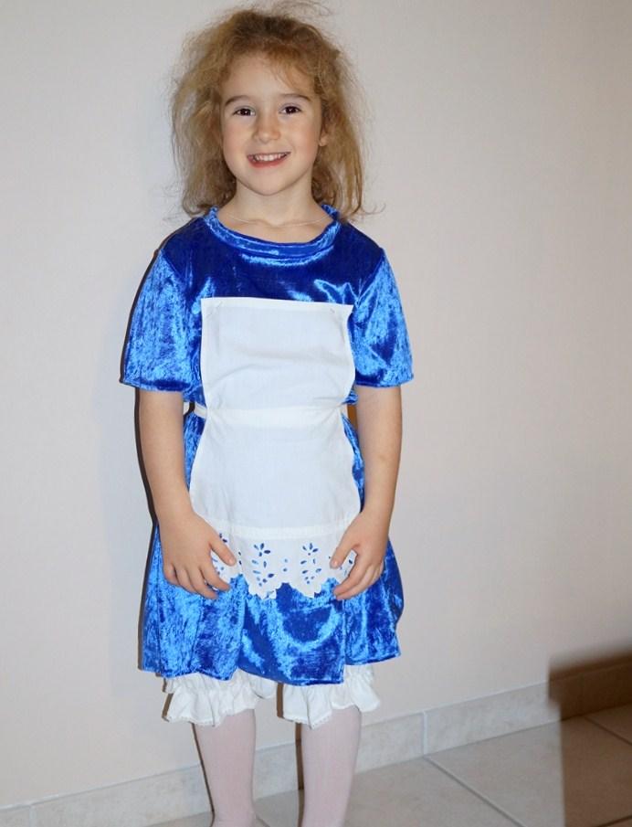 Alice au pays des merveilles les bidouilles et autres - Deguisement alice au pays des merveilles fait maison ...
