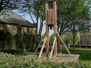 L'ancêtre de la guillotine ...