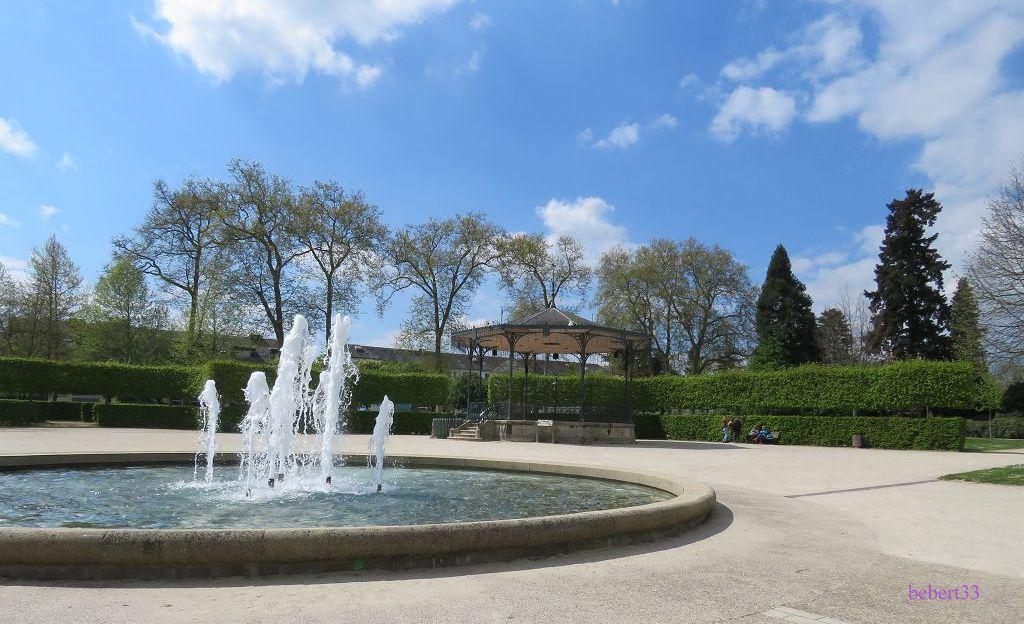 un jet d'eau à Alençon