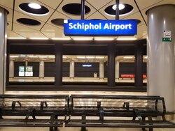 schipol airport station