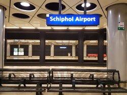 schipol airport station