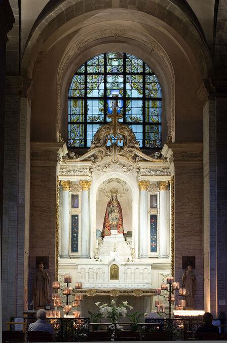 Français:  Chapelle de Notre-Dame des Miracles et des Vertus.