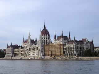 BUDAPEST- LE PARLEMENT
