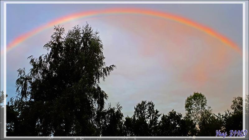 5/10/2021 8 heures, vers l'ouest, superbe arc-en-ciel à dominantes jaune et rouge - Lartigau - Milhas - 31