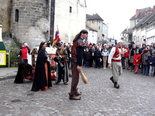 Les stands de vente, de restauration, les animations à la Saint Vincent Tournante des Crémants de Bourgogne 2013 ...
