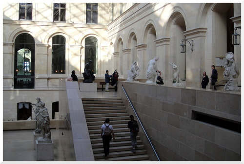 Paris. Un dimanche au Louvre.