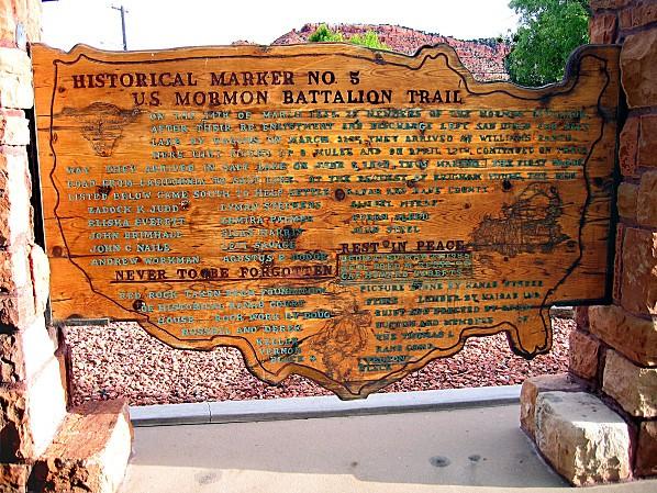 Kanab-Mormons-panneau.jpg