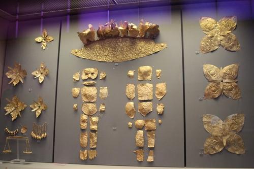 L'or dans les tombes mycéniennes