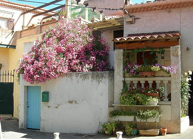 Maisons et ruelles d'Allauch (5)