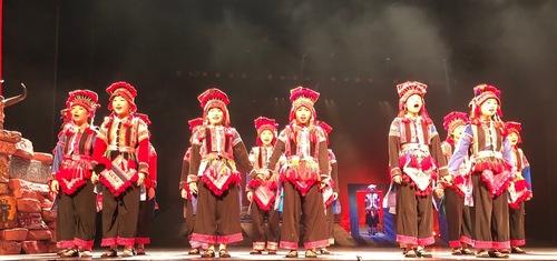 spectacle de danses à Kunming