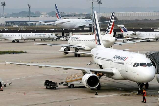 Dix syndicats d'Air France, tous métiers confondus, appellent à une grève le 30 mars, la troisième, pour exiger de nouveau une augmentation générale de 6% ( AFP/Archives / THOMAS SAMSON )