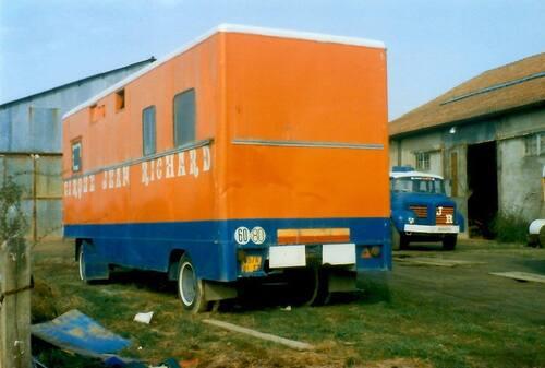 triste retour du cirque Jean Richard à Monnaie en juin 1983 ( archives Stéphane Sauval)