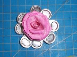 Bidouillage- Des fleurs  avec des languettes de cannnette alu