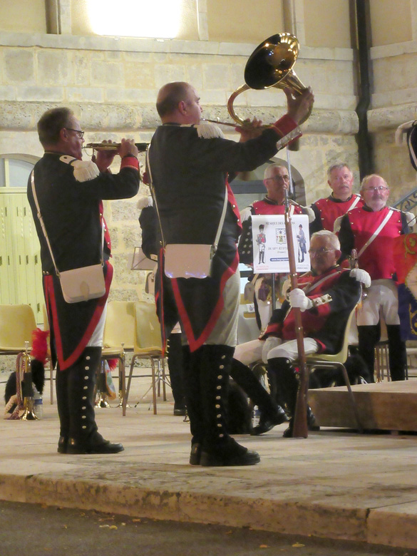 """Les grognards du 18ème RT d'Epinal ont donné un superbe concert lors de la soirée """"Un aigle sur la Ville"""" à Châtillon sur Seine"""