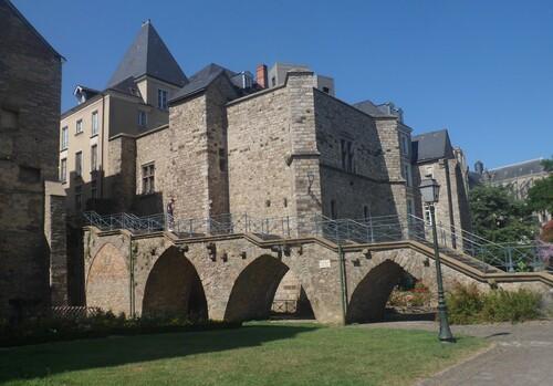 LE MANS - Collégiale St-Pierre-la-Cour