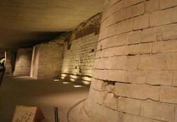 vestiges Louvre