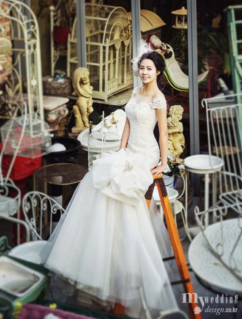 Choi Yoon Young - My Wedding Magazine April Issue '13